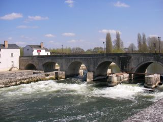 picture of the bridge of St Aignan